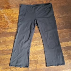 Athleta black Cropped Leggings Size Large